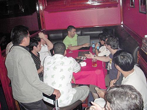 Phnom Penh LUG meeting: Fred presented Reprap 3D Printer Project