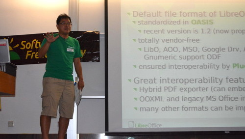 Naruhiko Ogasawara, LibreOffice Japan team, came all the way to share with us their project and community in Japan.