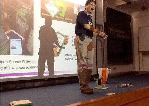 TK Kang talked about OLPC and announced his upcoming OLPC BaseCamp event in Malacca on 16-18 November 2013.